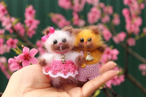 Amigurumi Kitty Mini : Miniature cat kitty toy Amigurumi kitty Collectible kitty