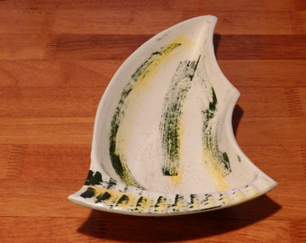 Mid-Century California Made Ceramic Ashtray with Green and Yellow Decoration   #2          00773