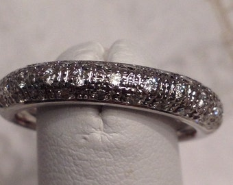 Beautiful vintage 18 kt white gold 31 Diamond Domed Pave Set 3 Row 4mm Wide Textured Band Ring, .21 ctw I-VS2,SI1, size 6.5