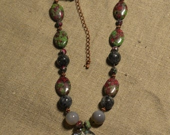 Necklace mother of Pearl and Ruby