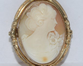 Antique Classic Carnelian Shell and 10K Yellow Gold Cameo Brooch/Pendant