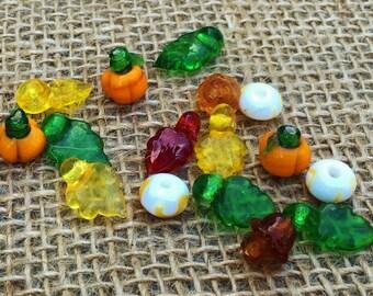 5   Autumn Pumpkin Mix Lampwork Glass Beads   Napkin Rings   Wine Glass Markers   4-12mm
