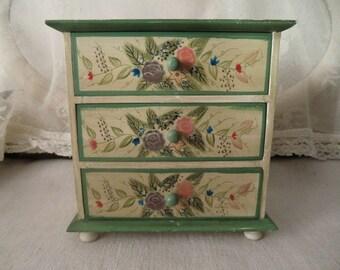 Vintage Kommödchen jewelry box dolls furniture rural