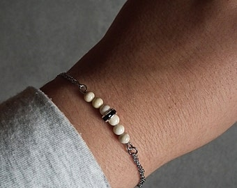 Beige stones bracelet
