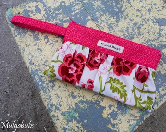 Friday-night wristlet clutch - Pink Floral