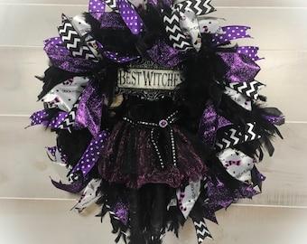 Halloween Wreaths, Witch Wreath, Halloween Decor, Halloween Decorations, Witch Leg Wreath, Feather Wreath, Fall Wreath, Mesh Wreath