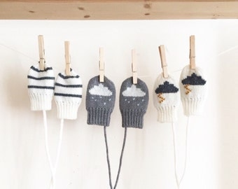 SALE! Monochrome Baby Mittens. Knitted off white and grey baby and toddler Mittens, Merino wool | Sizes 0 to 3 years