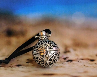 POTION LOCKET w/ Crafted Oil Blend, Potion, Ritual Oil, Fragrance Oil, Anointing Oil ~ The Beach Witch Oils