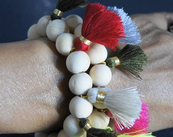 NEW 1 elastic bracelet chic hippie beads wooden natural beige and PomPoms color varied