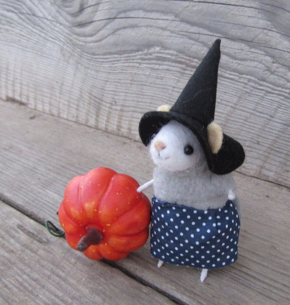 Little felted mouse Handmade Halloween Gift
