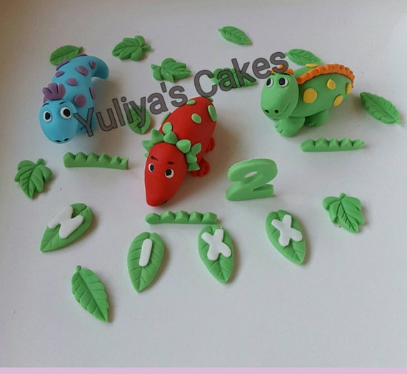 Dinosaur Cake Decorations Nz : 3 Edible handmade dinosaurs cake toppernameagebirthday