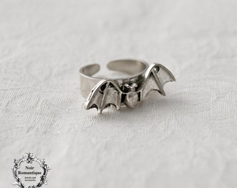 Silver midi bat ring-knuckle bat ring-gothic ring-halloween-gothic jewelry-vampire jewelry