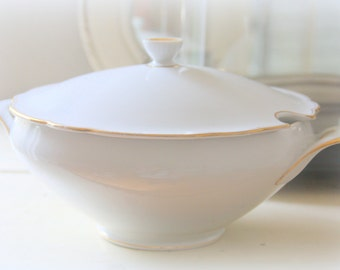Vintage Bavaria Schirnding Porcelain Serving Dish with Lid, Soup Dish
