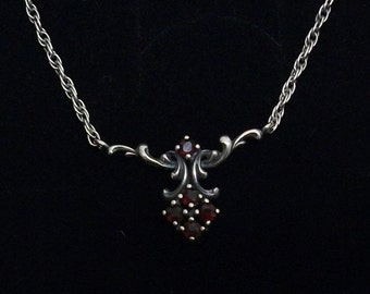 Antique, old silver necklace with 5 Garnet stones SK525