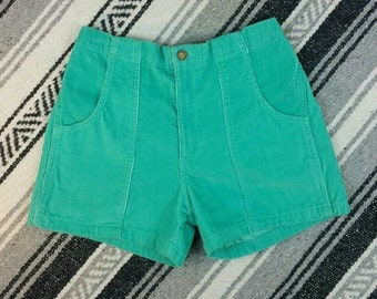 """Vintage 80s/90s Green Corduroy High Waisted Shorts size S/M (waist 26"""")"""
