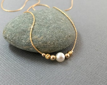 Single Pearl Necklace, Dainty Thin Gold Chain 14k Gold Fill, Gold Pearl Necklace, White Pearl Gold Necklace, Pearl Wedding Necklace