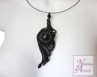 Necklace black collection micro-macrame circle and volutes
