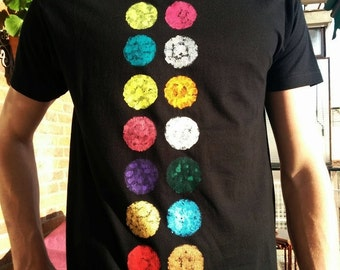 Shirt buttons. Unisex t-shirt, short sleeve, and hand-painted organic cotton
