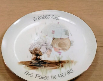 "Enesco Vintage Precious Moments Plate ""Blessed Are The Pure At Heart"" Girl with Umbrella in The Rain"