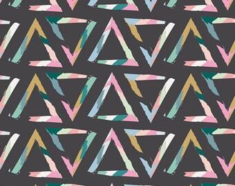 Caroline Hulse - Chalk and Paint - Triangle Brush Tempera