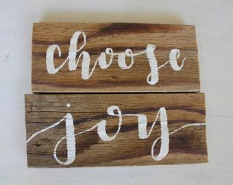 Reclaimed wood sign: choose joy - Home Decor