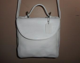 "VINTAGE COACH 9"" x 9"" x 4"" Ivory ""Handle"" Bag w/Hang tag # K68-4158 USA"