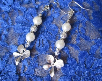 Orchid and pearls bridal earrings, Japanese bridal earrings, oriental earrings, Japanese wedding, pearls earrings, bridal, orchid earrings