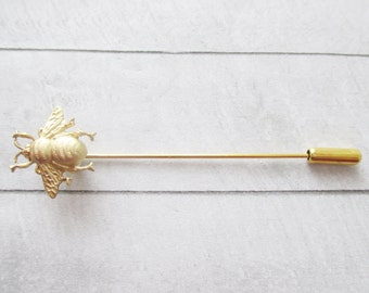 Bee stick pin Gold Bee bar pin Gold Bumblebee lapel pin Brass bug stick brooch Nature Wedding Bridesmaids Bridal Gifts for her Women jewelry