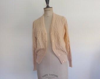 Vintage 70s Cardigan crochet cotton peach ladylike romantic feminine - size S/M