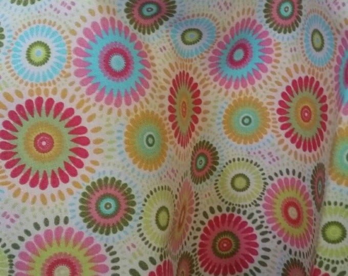 By the Yard Geometric Flowers on Cream Background Quilting Fabric