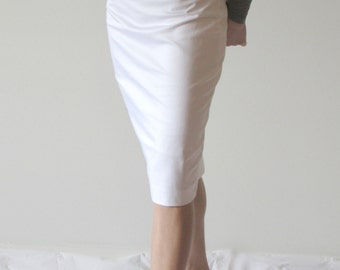 Highwaist Pencil Skirt in White or Deep Purple