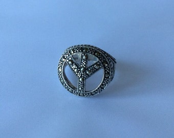 Sterling silver Size 7 ring large 3D peace sign with marcasite stones ornate design vintage oxidized silver