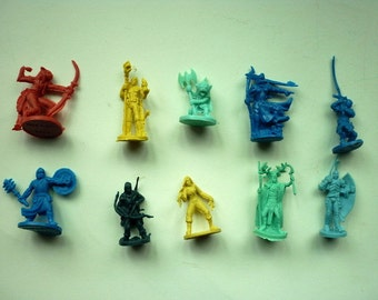 10 pc D & D Dungeons and Dragons RPG figures Fantasy Miniatures 1/72
