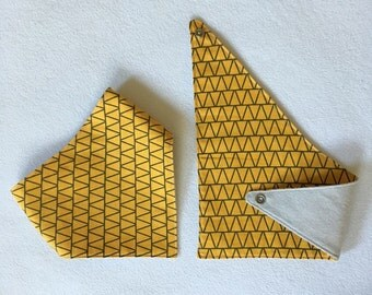 Yellow Triangle Bibdana