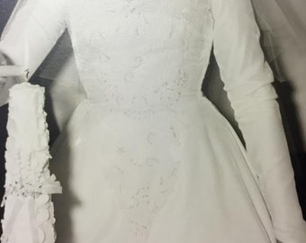 Beautiful Vintage 1950's Wedding Dress Gown