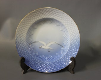 Sea Gull deep lunch plate, porcelain by B&G.