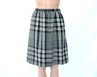 Black and White Plaid Skirt High Waist with Pockets 1970s 1980s Office Secretary Skirt Small