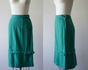 1940s skirt. vintage green skirt by Lampl. 40s wool skirt. high waist pencil skirt with a bow.  small.  40s clothing