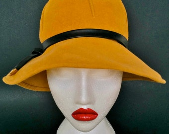 Vintage Cloche Hat Mustard Velours with Leather detail