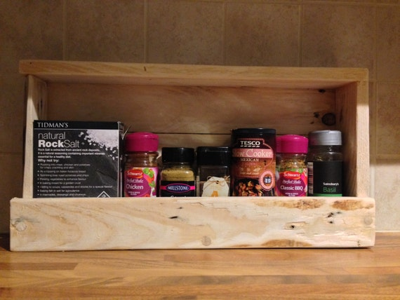 Pallet spice rack handmade rustic for How to make a spice rack out of pallets