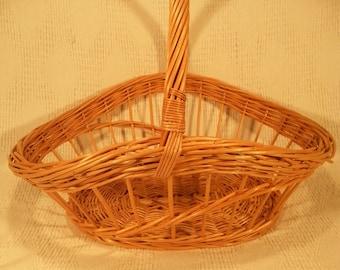 Wicker flower basket 035