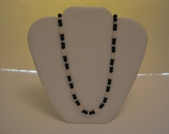 21in Agate and crystal beaded necklace.