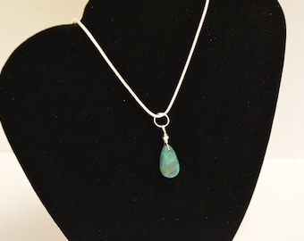 Turquoise Stone pendant Necklace 16 in
