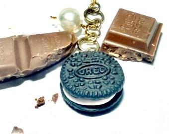 Oreo key chain/ realistic oreo / polymer clay oreo/ polymer clay oreo keychain