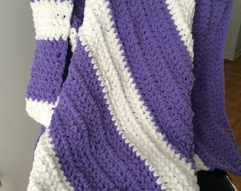 Bernat Lilac and White Baby Blanket