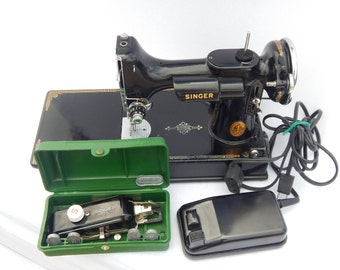 Vintage Singer Featherweight with Case 1937