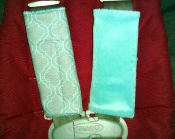 Gray turquoise quatrefoil car seat strap covers