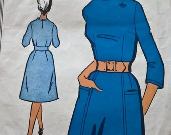 "Fabulous 60's french vintage sewing pattern - ""Patrons Favoris"" 9012 Dress woman size 44  / size 16"