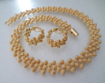 Vintage Gold Tone Stunning Choker Necklace and Earrings Set.