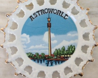 vintage Astroworld Astroneedle souvenir plate Houston Texas 8 inches 1975 RARE